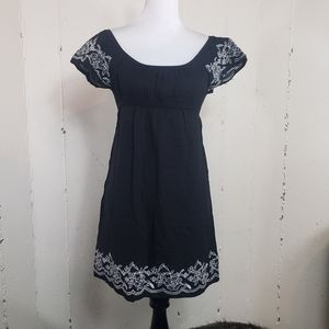 One Clothing M blk/white embroidery dress/ coverup